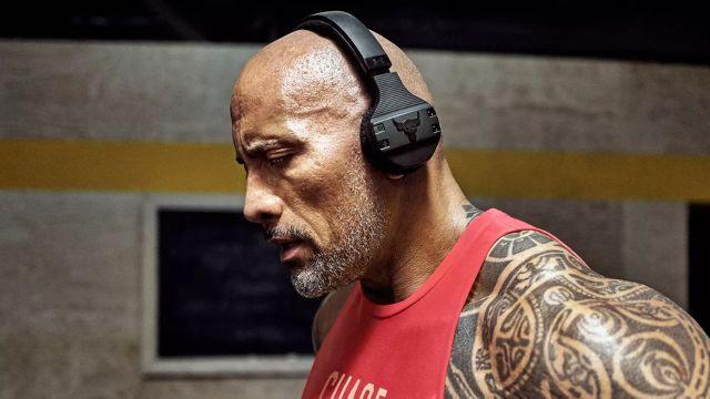 The Rock kablosuz Kulaklık İle Ağırlıklara Hükmedin!